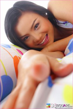 Jib Jarinya - Foto erotiche di donna thailandese - 01