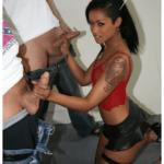 Mulatta spompina sei ragazzi inglesi – Fotoromanzo Porno – 05
